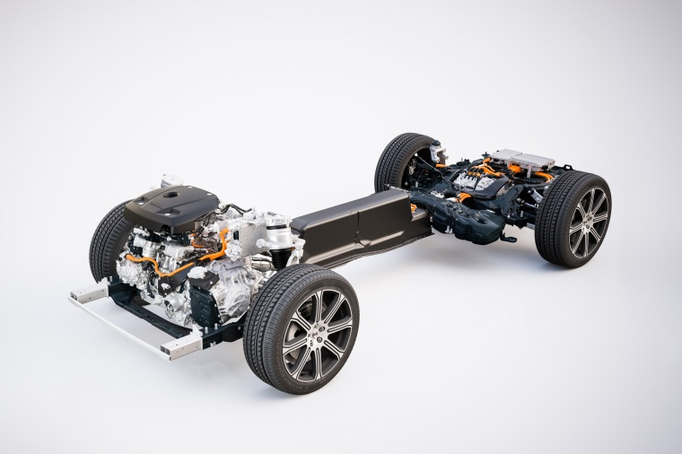 Picture of a 2019 Volvo XC60 T8 eAWD's Hybrid Powertrain
