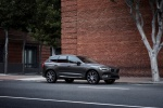 2019 Volvo XC60 T6 AWD in Pine Gray Metallic - Static Front Right Three-quarter View
